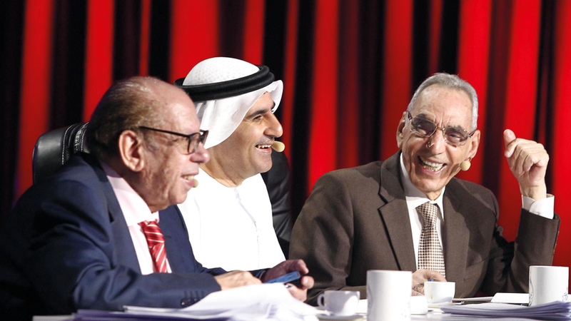 أعضاء لجنة التحكيم من اليمين: مرتاض وبن تميم وفضل. من المصدر