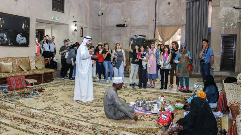 ينجح الجافلة في ترك صورة متميزة عن الإمارات بوجهيها المعاصر والتراثي تصوير: باتريك كاستيلو