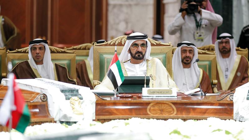 محمد بن راشد ترأس وفد الدولة في القمة الخليجية بالرياض. وام