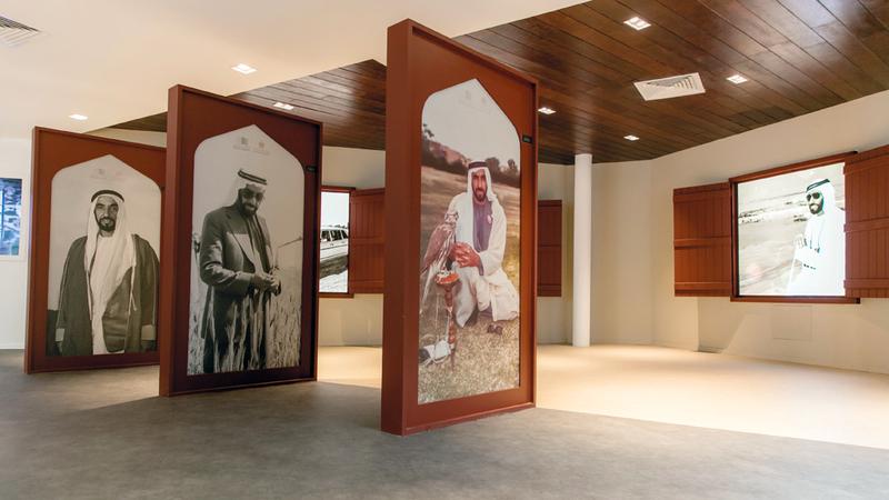 الكثير من الصور والوثائق ومقاطع الفيديو المصوّرة للشيخ زايد في «ذاكرة الوطن».  من المصدر