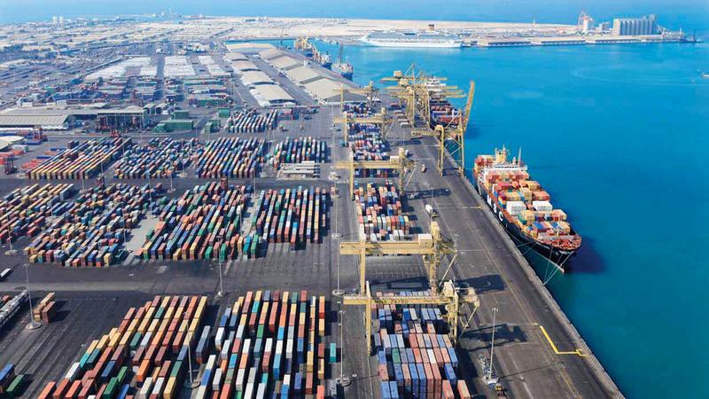 حجم التجارة الخارجية غير النفطية لدولة الإمارات بلغ خلال النصف الأول من 2018 نحو 784 مليار درهم. أرشيفية