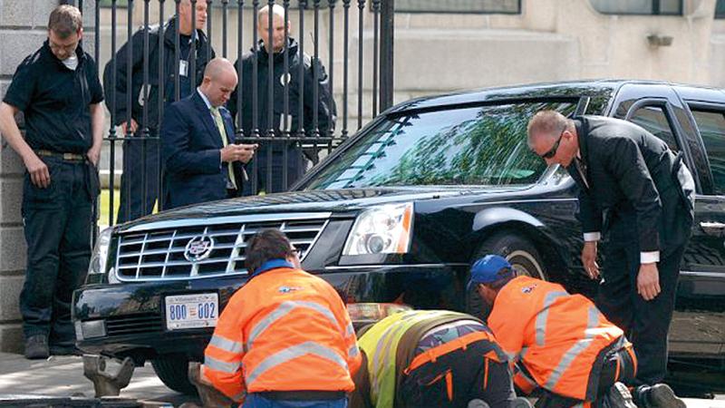 سيارة أوباما تتعطل بعد مسافة قصيرة من انطلاقها. من المصدر