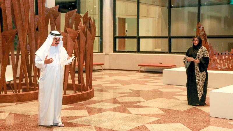 نجوم الغانم ألقت بعض قصائدها.. والظاهري سرد جزءاً من حكاياته خلال الأمسية. الإمارات اليوم