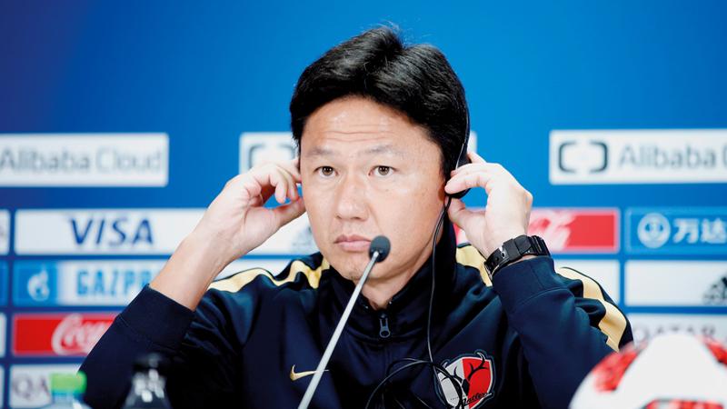 جو أويوا يتحدث في المؤتمر الصحافي أمس. أي.بي.إيه