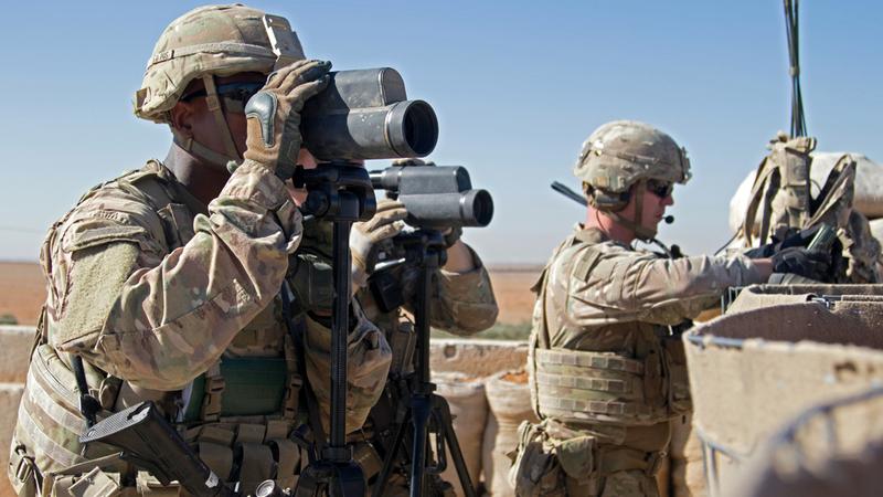 قوات أميركية خلال دورية في بلدة منبج في سورية .        أرشيفية   أ.ب