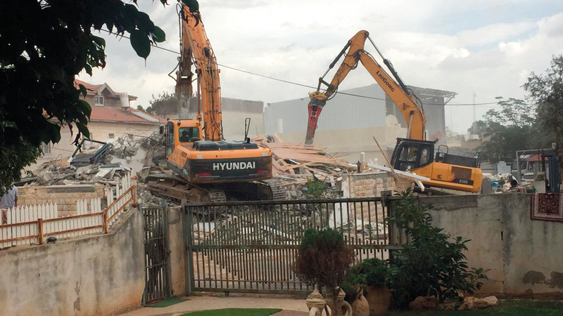 جرافات إسرائيل هدمت منزل شعبان رغم صدور قرار قضائي بتجميد الهدم. الإمارات اليوم