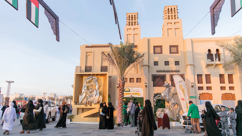 جناح «مهرجان الشيخ منصور» يجسّد بطرق فنية حب الشعب الإماراتي للخيل الأصيلة. من المصدر