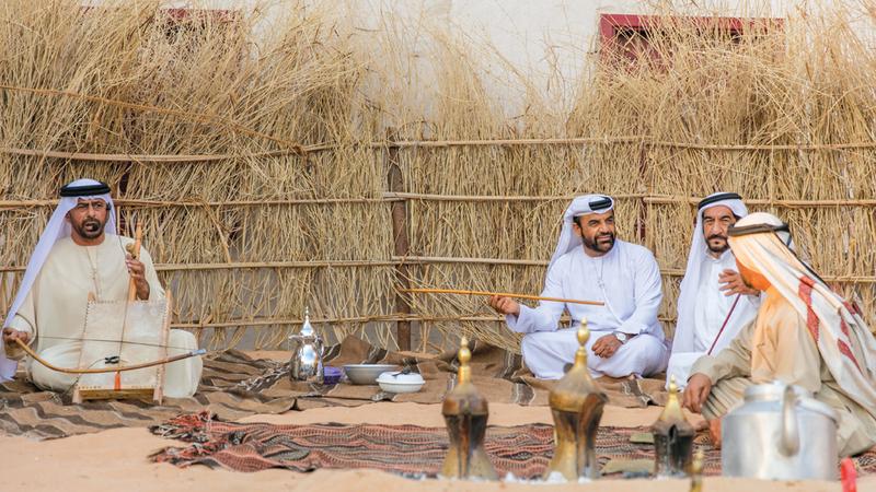 الفنون التقليدية تزيّن جناح «ثقافة أبوظبي». من المصدر