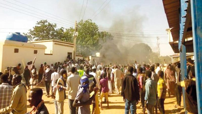 جانب من تظاهرات السودان احتجاجاً على الغلاء.  أرشيفية