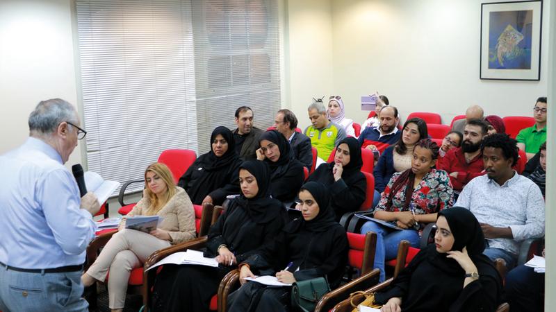 الخواجة قرأ نماذج فنية ناضجة من الأدب القصصي العربي. من المصدر