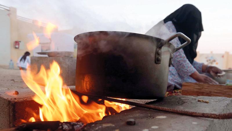 مسابقات الأكلات الشعبية تهدف إلى التعريف بتقاليد الطهي الإماراتية. من المصدر