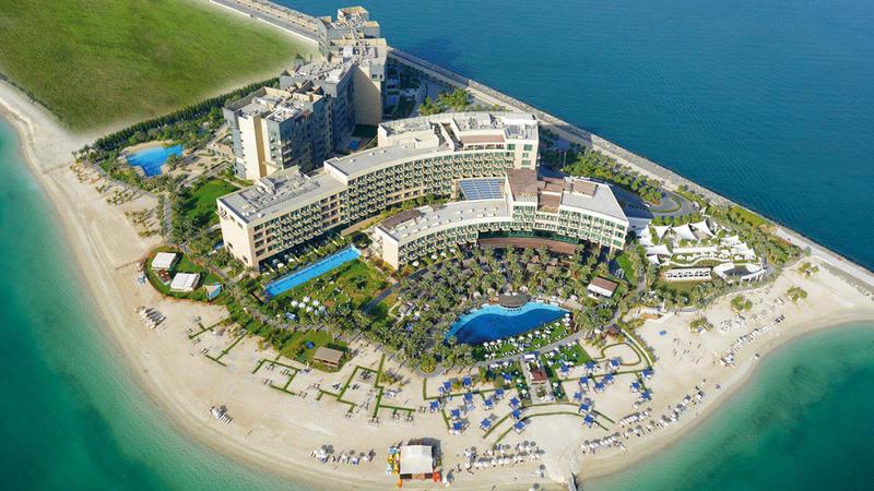 «سياحة دبي» أكدت أن متوسط إشغال الغرف والشقق الفندقية وصل إلى 75%.  أرشيفية