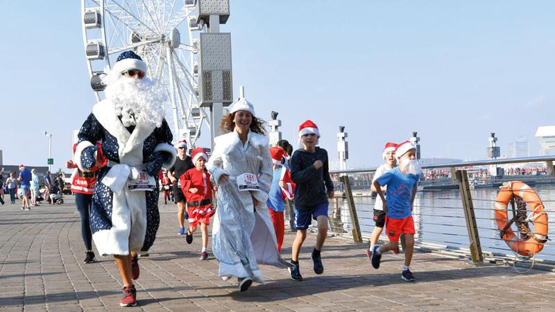 احتفل المسيحيون هذا الأسبوع بأعياد الميلاد، في شتى مدن ودول العالم، ومنها دبي، حيث علّقوا زينتهم، وأقاموا احتفالاتهم، وعاشوا فرحة العيد.