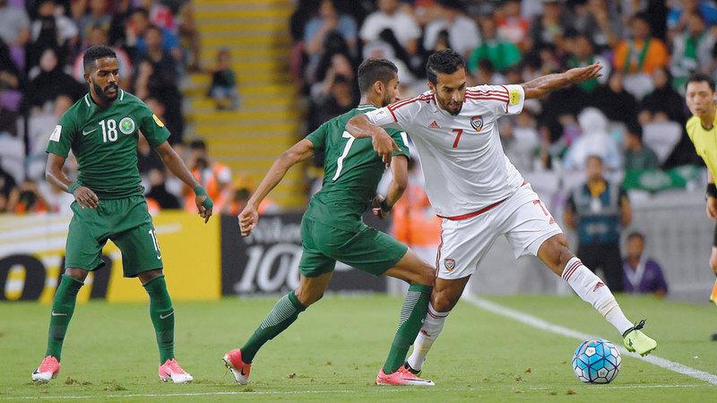 هداف المنتخب الوطني علي مبخوت يتطلع إلى رفع أسهمه في كأس آسيا. أرشيفية