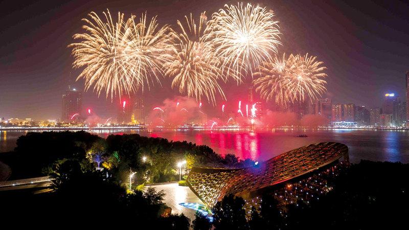 جزيرة النور استقبلت العام الجديد على أنغام الموسيقى الحيّة والألعاب النارية. من المصدر