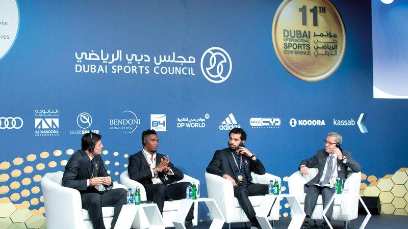 أبرز نجوم كرة القدم في العالم يحرصون على المشاركة في مؤتمر دبي الرياضي. تصوير: أحمد عرديتي