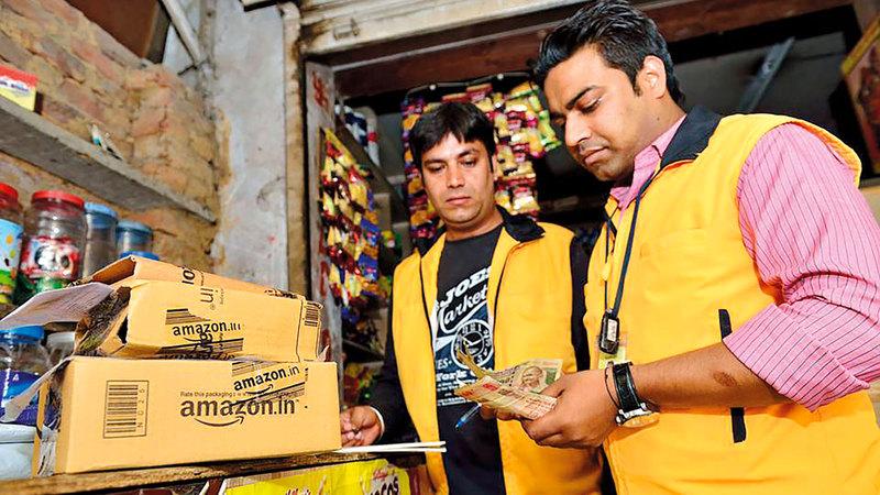 «أمازون» و«وولمارت» تناضلان معاً ضد القواعد الجديدة في السوق الهندية. أرشيفية