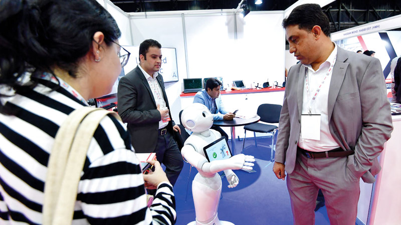 الروبوتات أثبتت نجاحها في تأدية مهام متعددة بشركات وهيئات مختلفة. أرشيفية