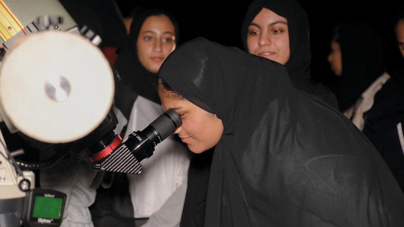 الزيارات شملت تطبيقات عملية للمنتسبات على التلسكوبات. من المصدر