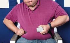 الصورة: شركات طيران تطالب أصحاب الوزن الزائد بدفع ثمن تذكرة إضافية