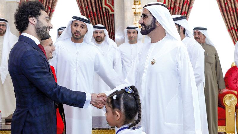 محمد بن راشد خلال استقباله النجم المصري محمد صلاح. وام