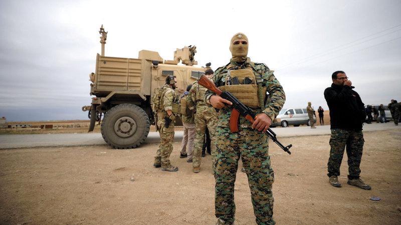 قوات سورية الديمقراطية بمنطقة الحسكة بالقرب  من الحدود السورية التركية. رويترز