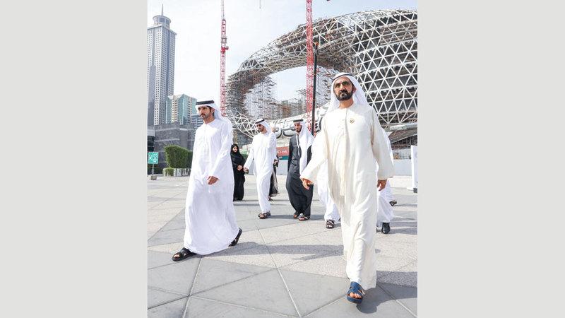 محمد بن راشد زار مشروع متحف المستقبل يرافقه حمدان بن محمد. من المصدر