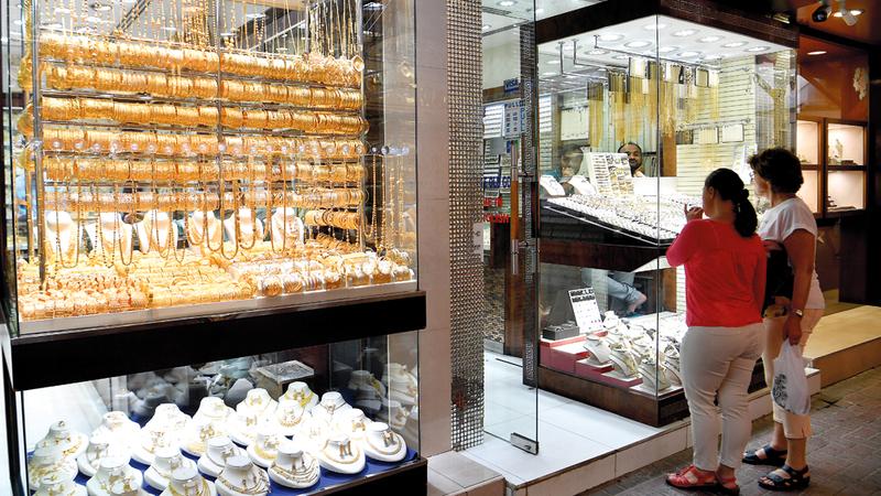 شراء المشغولات الذهبية بالتقسيط يساعد المستهلكين على تلبية احتياجاتهم في المناسبات. تصوير: باتريك كاستيلو