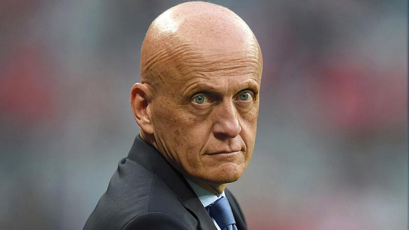 الإيطالي بيرلويغي كولينا : رئيس لجنة الحكام في الاتحاد الدولي لكرة القدم