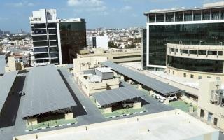 الصورة: «طرق دبي» تستكمل مشروع الطاقة النظيفة للمواقف متعددة الطوابق