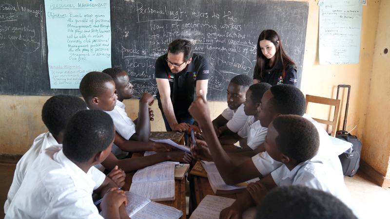 «دبي العطاء» أطلقت العام الماضي برامج جديدة تُركز على تعزيز القيادة المدرسية. من المصدر