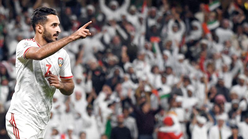 علي مبخوت سجل هدف الفوز والتأهل مستغلاً خطأ قاتلاً للدفاع الأسترالي. تصوير: أسامة أبوغانم