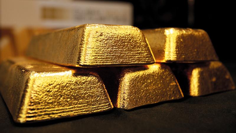 التذبذب الذي قد تشهده الأسعار العالمية من مخاطر الاستثمار في الذهب. الإمارات اليوم