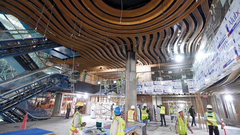 ستضم المكتبة عند الانتهاء منها 8 مكتبات متخصّصة وتحوي نحو مليون كتاب مطبوع وإلكتروني وسمعي.  من المصدر
