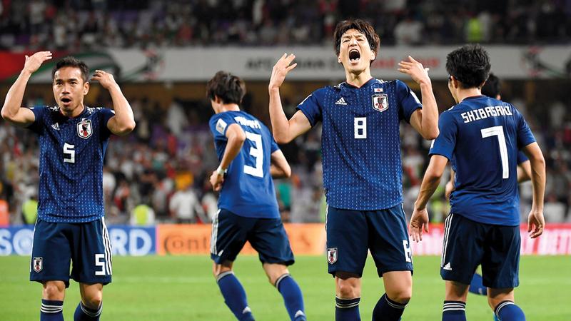 نجوم المنتخب الياباني هزموا الإيرانيين بالواقعية والسرعة والانضباط التكتيكي. تصوير: إريك أرازاس