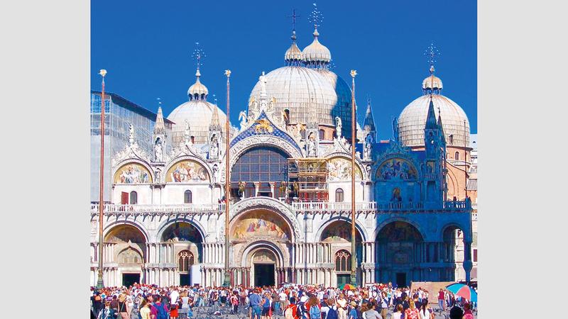 كنيسة «سانت مارك» من أهم معالم البندقية السياحية. أرشيفية