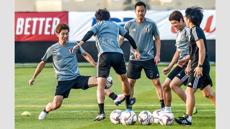 نجوم المنتخب الياباني يترقبون الحصول على اللقب الآسيوي الخامس.  أ.ف.ب