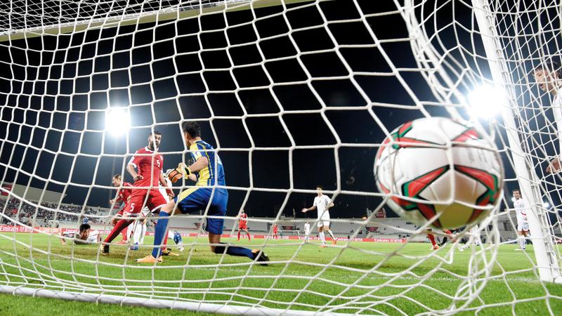 شباك كوريا الجنوبية الأكثر اهتزازاً في البطولة بـ 14 هدفاً. تصوير: أسامة أبوغانم