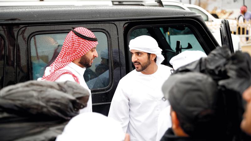 حمدان بن محمد خلال حضوره ختام فعاليات مهرجان الهجن العربية الأصيلة. من المصدر