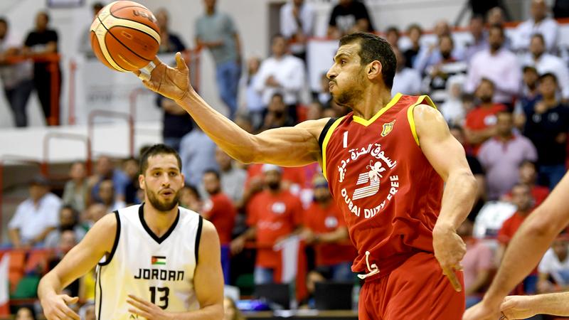 الرياضي اللبناني يتخطى المنتخب الأردني في «سلة دبي». تصوير: باتريك كاستيلو