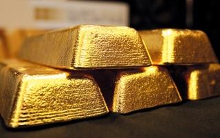الصورة: ارتفاع الدولار يضع الذهب على مسار أول خسارة أسبوعية