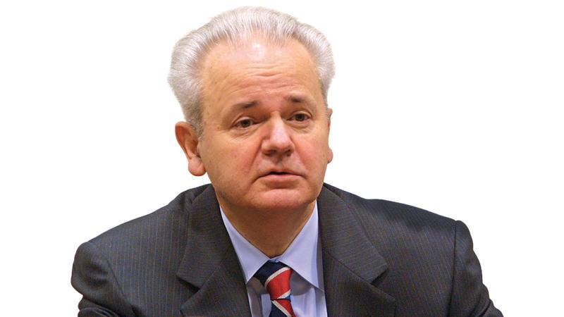 سلوبودان ميلوزوفيتش قام باضطهاد مجموعات إثنية وطنية مثل الألبان في كوسوفو. غيتي