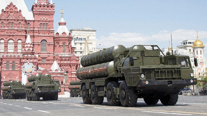 منظومة اس 300 خلال استعراض روسي في موسكو، ا ب