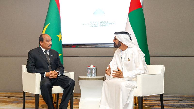 محمد بن راشد يتبادل الحديث مع الرئيس الموريتاني. وام