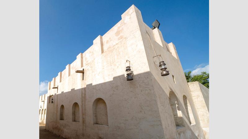 يضم المشروع مجموعة من المشروعات الثقافية والتجارية والسكنيّة.  من المصدر.