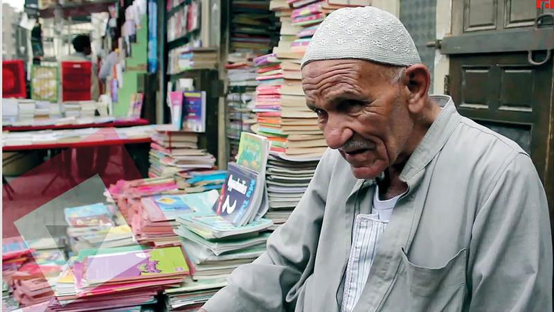 سور الأزبكية يعرض كتباً متنوعة أصلية ومزورة تناسب مختلف الطبقات. أرشيفية