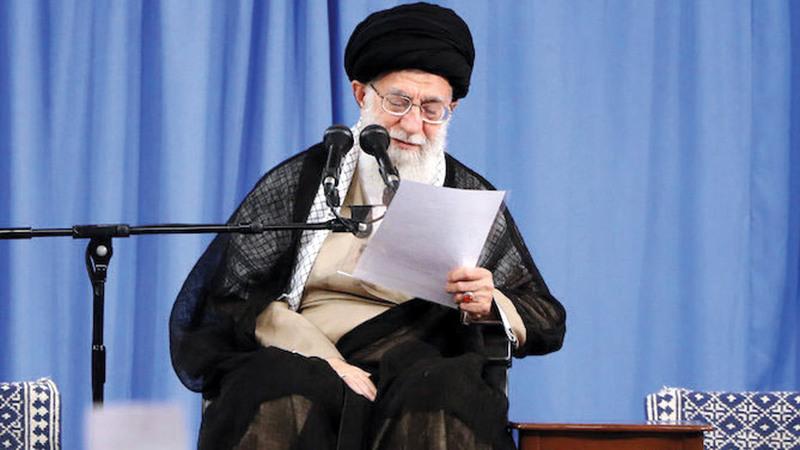 خامنئي استند في حكمه على إبقاء الفرق السياسية ضعيفة.  رويترز