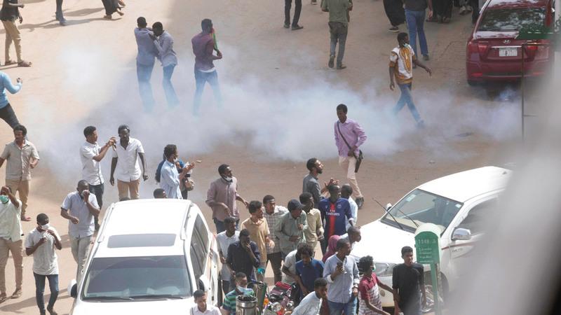 جانب من تظاهرات الاحتجاج ضد حكومة البشير في العاصمة الخرطوم. رويترز