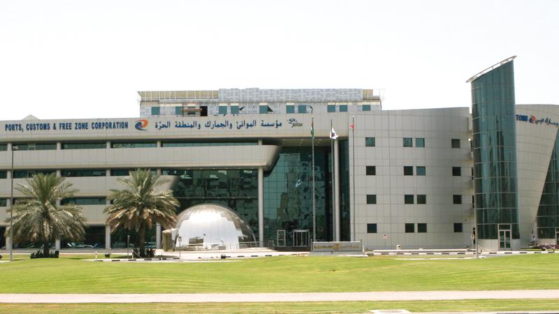 «جمارك دبي» تحرص على تحسين حياة الناس عبر تسهيل الإجراءات الجمركية.  الإمارات اليوم