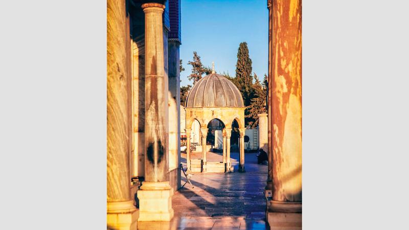 قبة النبي ورواق الجنة أحد معالم المسجد الأقصى المبارك. الإمارات اليوم